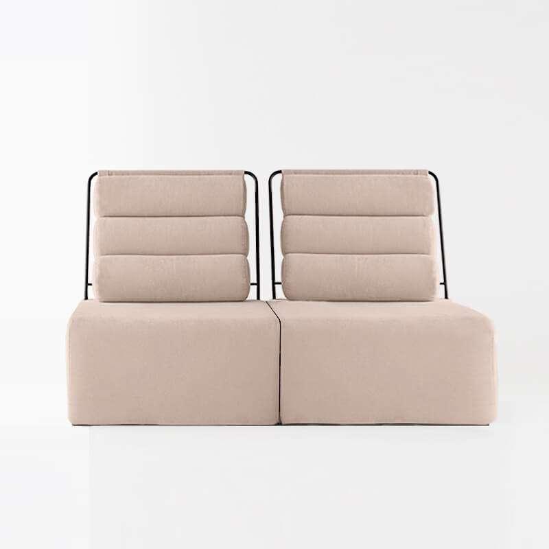 Sofá de 2 plazas del modelo Roler tapizado en tela Austin Flamingo de SITSOFA