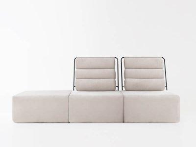 Sofá de 2 plazas con Puf del modelo Roler tapizado en tela Enjoy Beige de SITSOFA