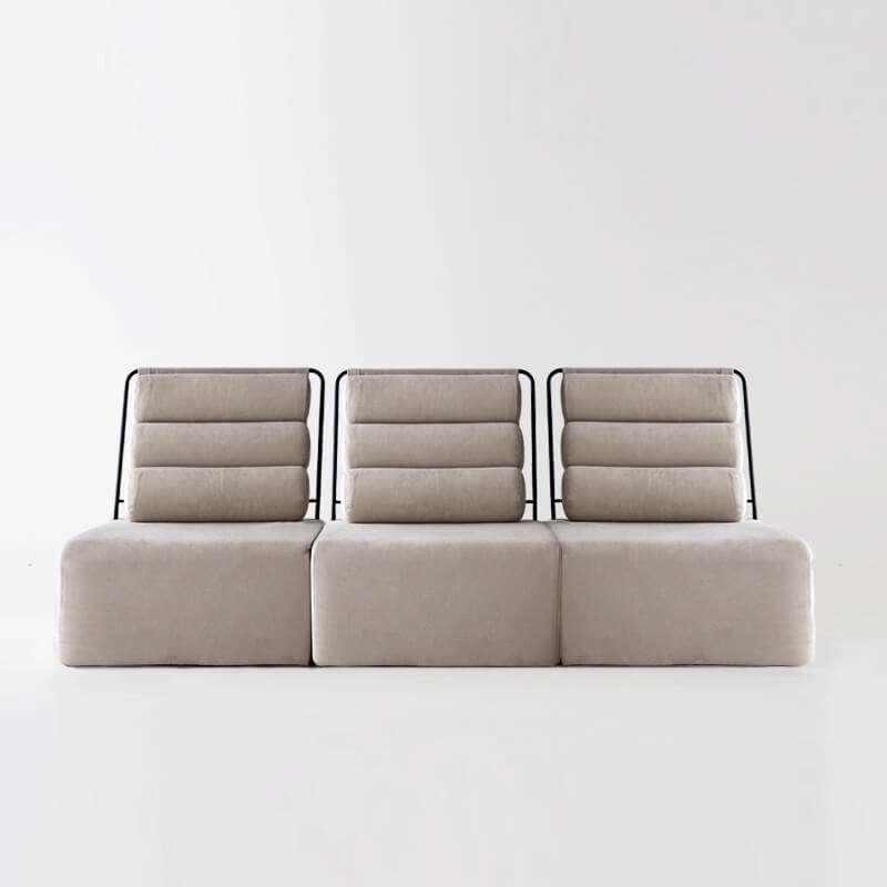 Sofá de 3 plazas del modelo Roler tapizado en tela Austin Beige de SITSOFA