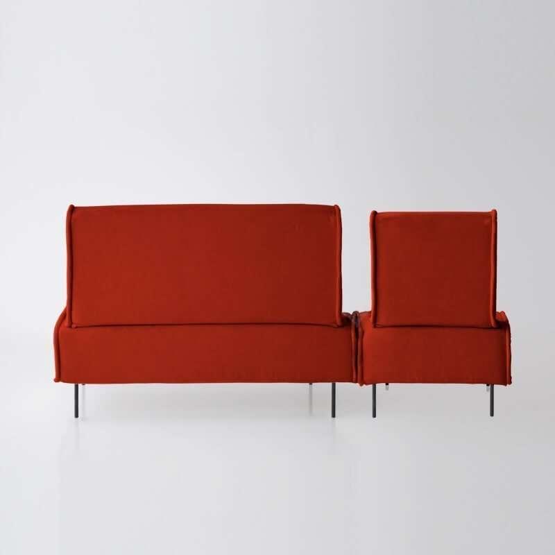 Sofá de 3 plazas del modelo Sugar vista trasera tapizado en tela Enjoy Orange de SITSOFA