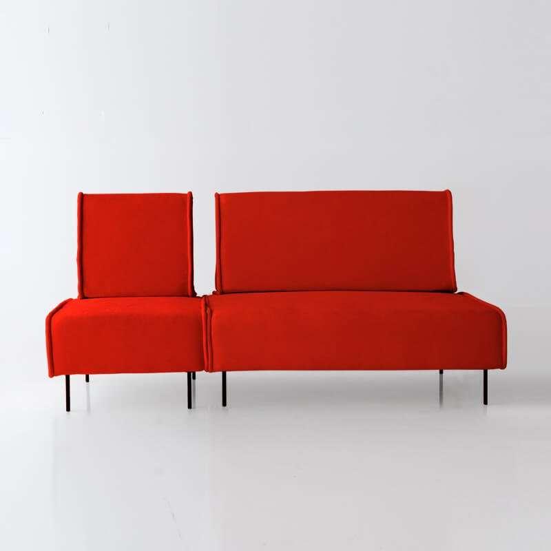 Sofá de 3 plazas del modelo Sugar vista delantera tapizado en tela Enjoy Orange de SITSOFA